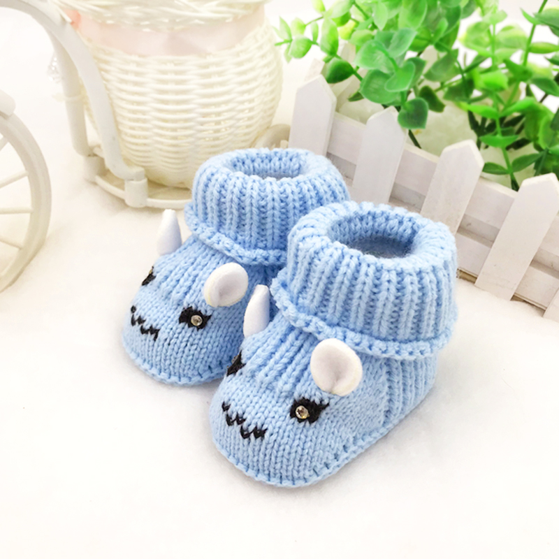 Hand knitted 0-6-8 months thick Plush Baby wool shoes cotton boots baby knitted shoes