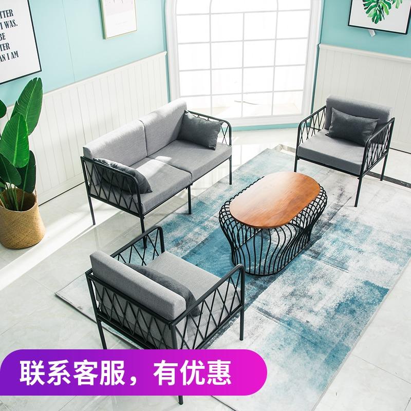 Одежда магазин промышленность ветер loft железо мелкий песок волосы кофейный столик простой современный офис нордический ретро работа комната один