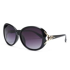 新款太阳镜女士8842 时尚潮流大框装饰偏光墨镜 狐狸眼镜厂家直销图片