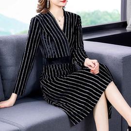 贵夫人秋款连衣裙高端洋气2020新款大码女装收腰显瘦妈妈气质裙子