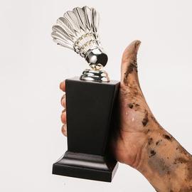 高档金属奖杯便宜定制学校体育运动公司纪念水晶奖杯奖牌羽毛球比图片