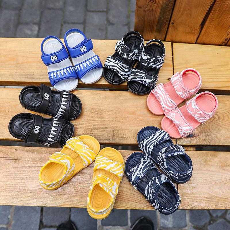 儿童凉鞋夏季卡通魔术贴女童公主果冻鞋男童宝宝洞洞鞋小孩沙滩鞋