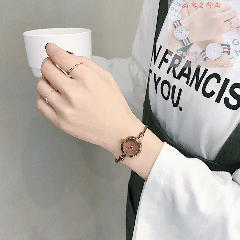 French minority Korean style simple chic fashion temperament retro literature and art super fire small dial Bracelet Watch girl