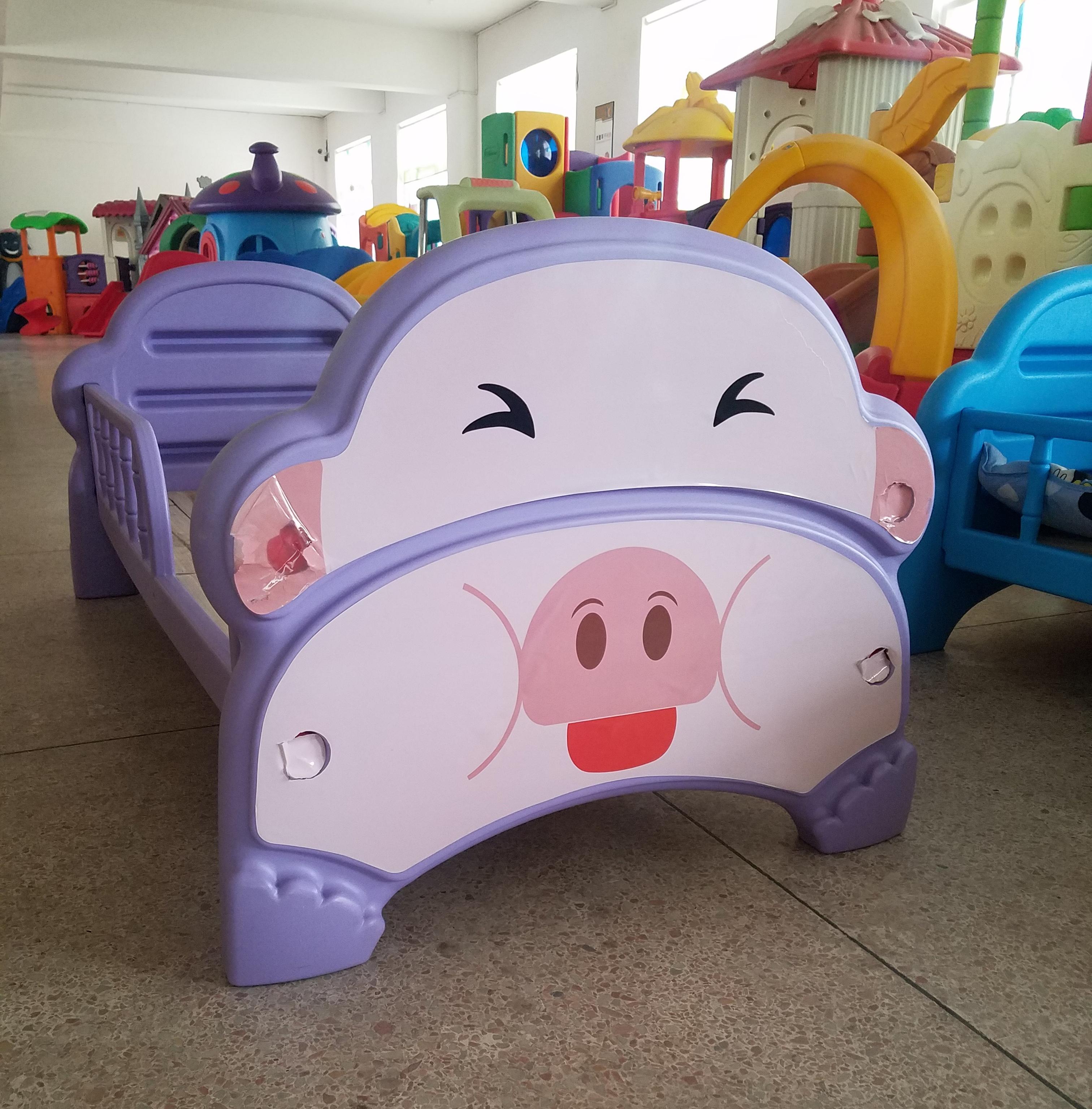 Новый небольшой свинья обычных