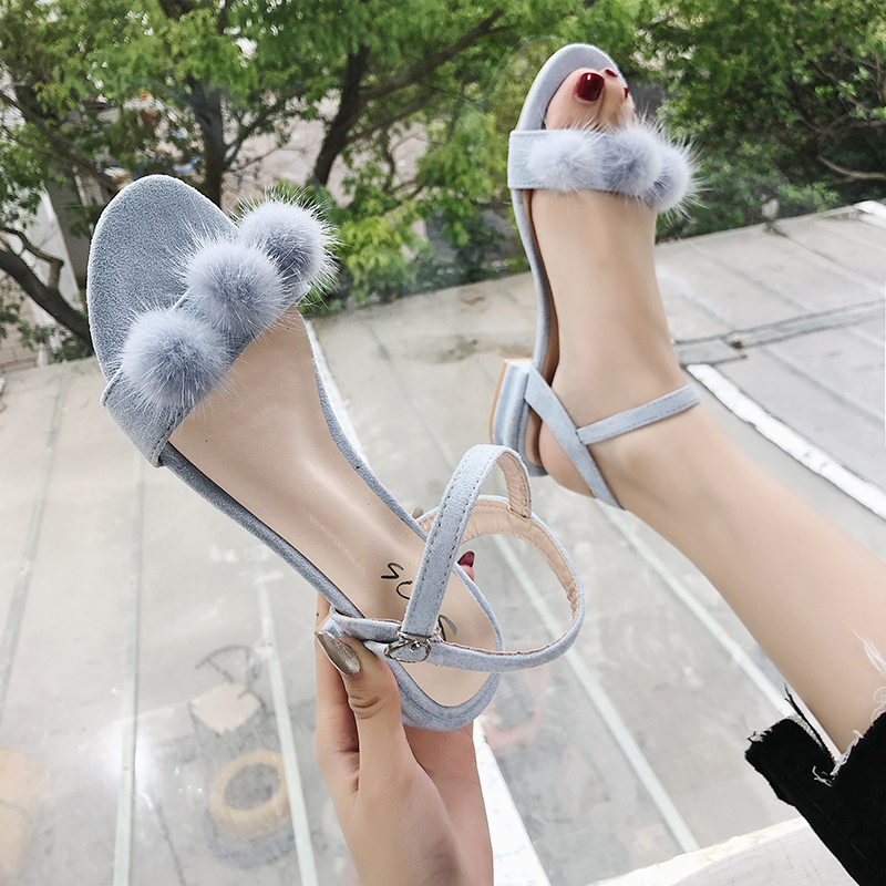 Xuedi Yierkang 2020 new sandals for womens summer Korean style all-in-one thick heel buckle with fur ball tassel low heel