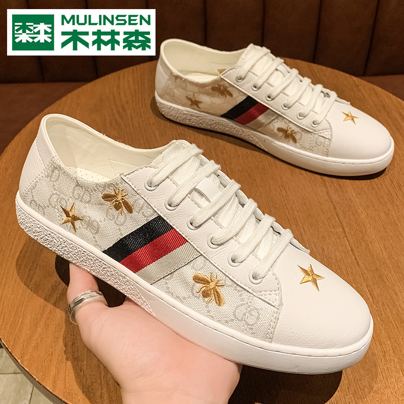 Mlnson shoes, little bees, little white shoes, all kinds of social Medusa spirit, all match Kwai, red canvas shoes.