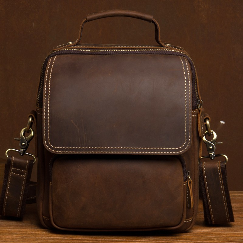 A new type of shoulder bag with Chinese character