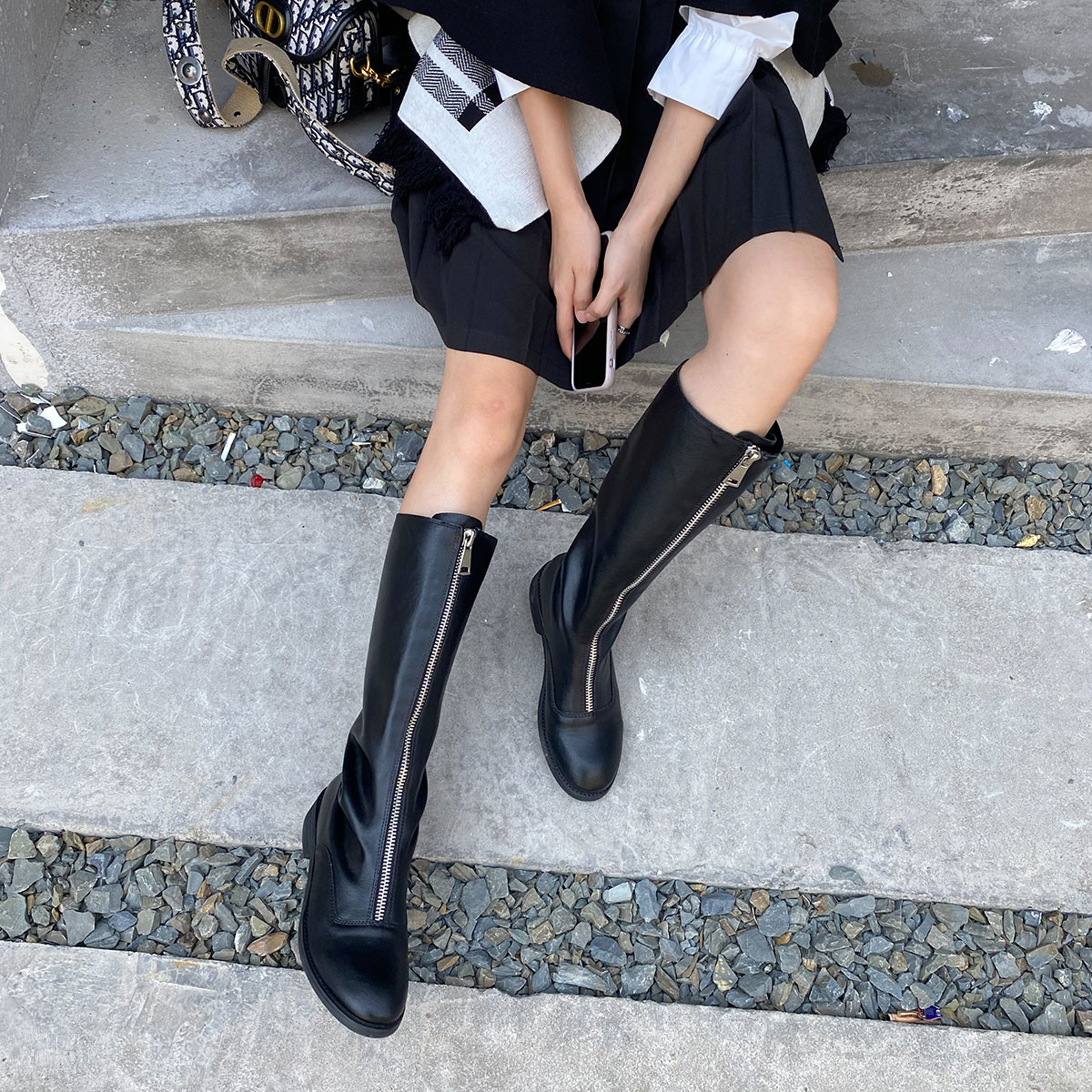 Knight boots womens black high tube below the knee bv boots thick soles 2020 new front zipper inside high thin boots