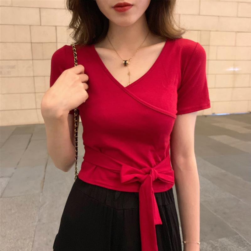 心机t恤女小众夏超火cec网红短袖ins潮短款修身设计感高腰v领上衣