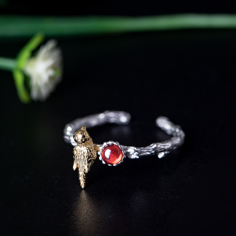 Design S925 silver creative inlay Wine Red Garnet Ring female three-dimensional lovely bird opening ring