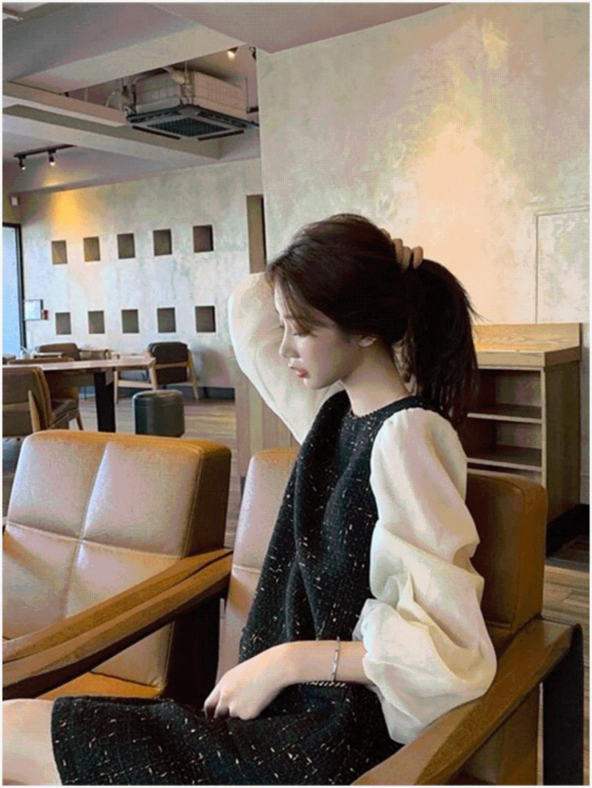 张大奕黑色针织连衣裙女秋小香风长袖时尚显瘦甜美泡泡袖复古长裙