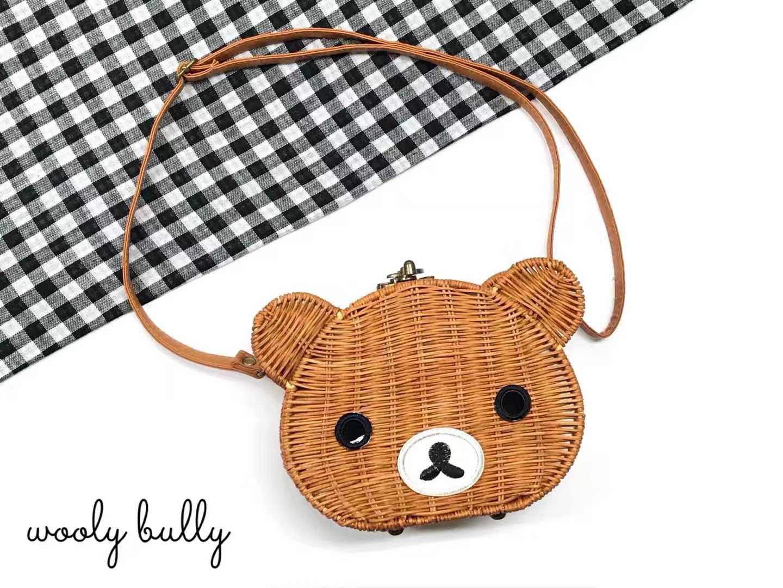 韩国东大门Woolybully 独家热卖时尚田园卡通小熊编织包包