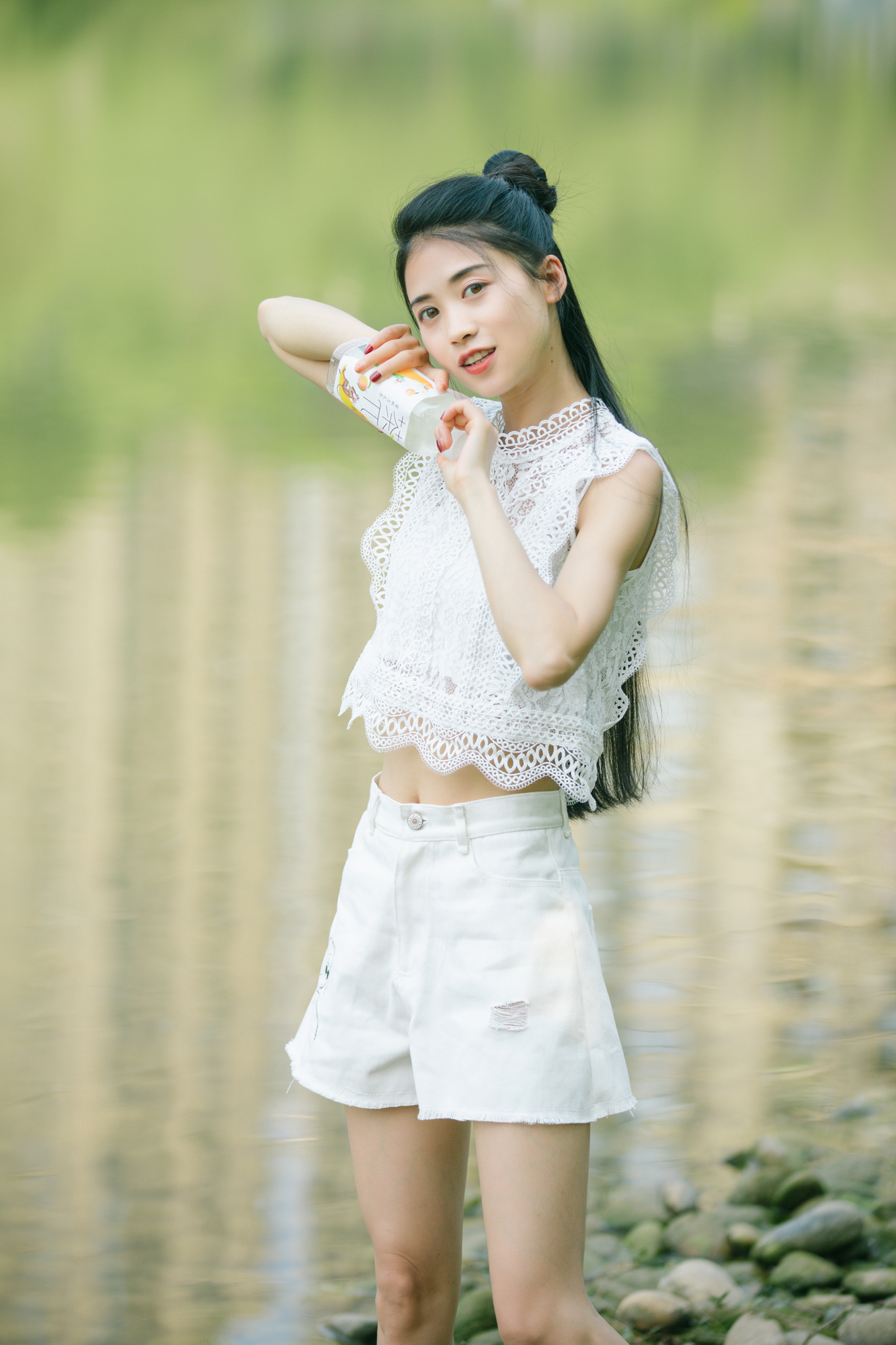 Yuan original design white printed Denim Shorts New Korean high waisted all-around perforated straight pants in summer 2020