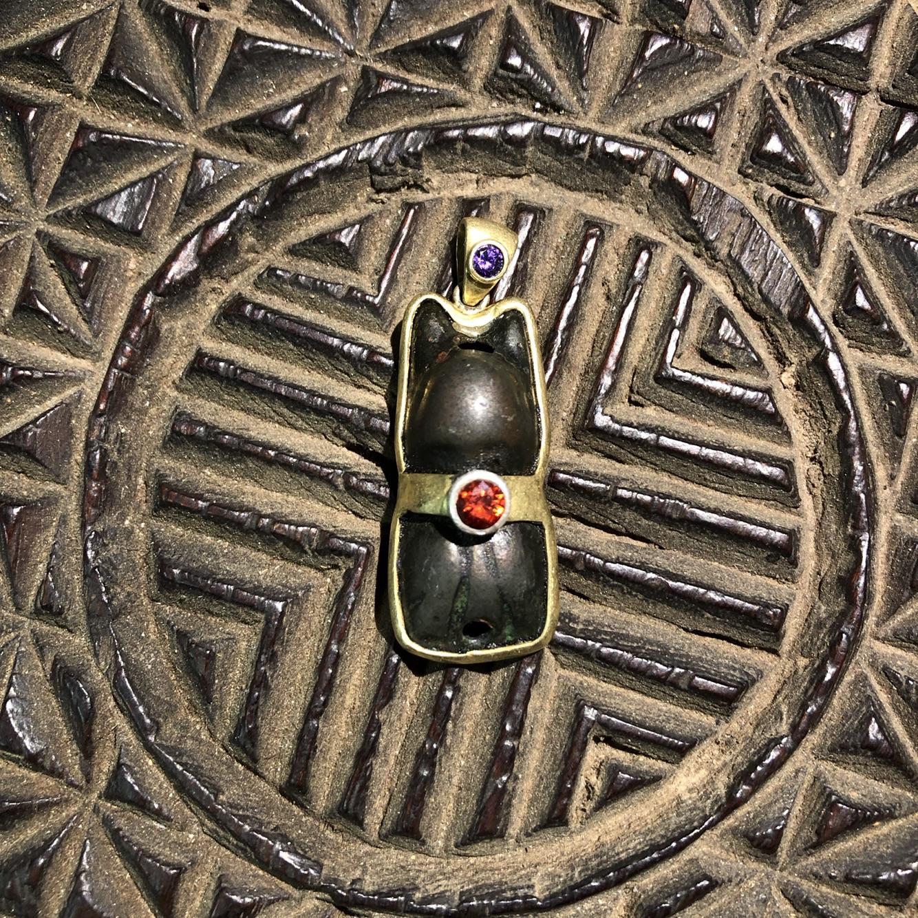 西藏藏传 特色手工艺真品百年托甲天铁雪狮护身保平安