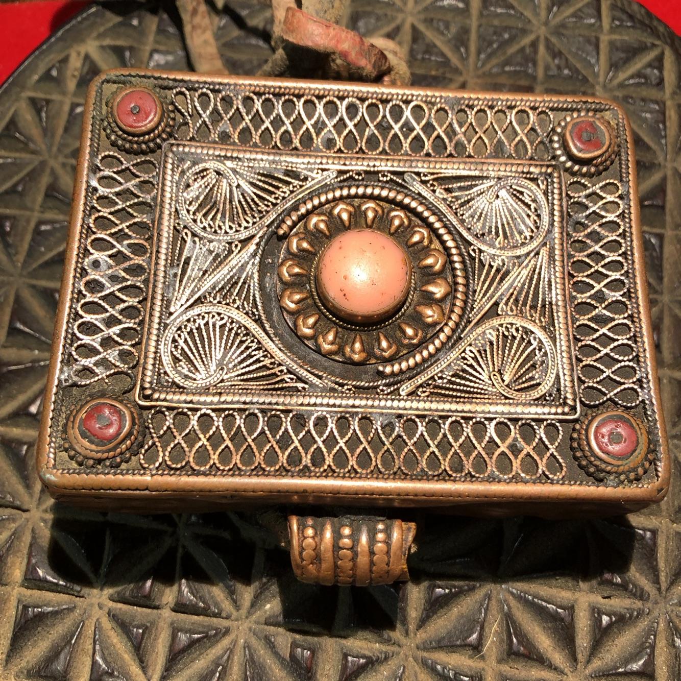 西藏藏传 特色手工艺 真品精美大尺寸老嘎呜盒 佛教用品七珍宝
