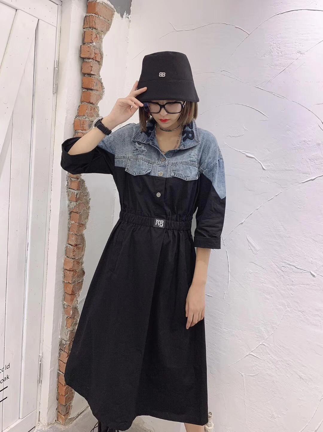 2019秋季新翻领字母刺绣大王连衣裙热销71件假一赔十