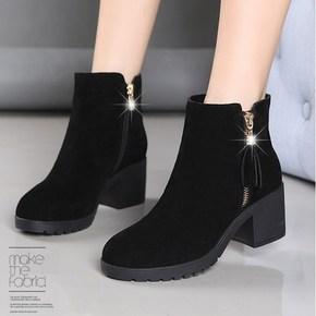 粗跟短靴女马丁靴英伦风中跟鞋子新款秋冬季磨砂复古流苏加绒靴子