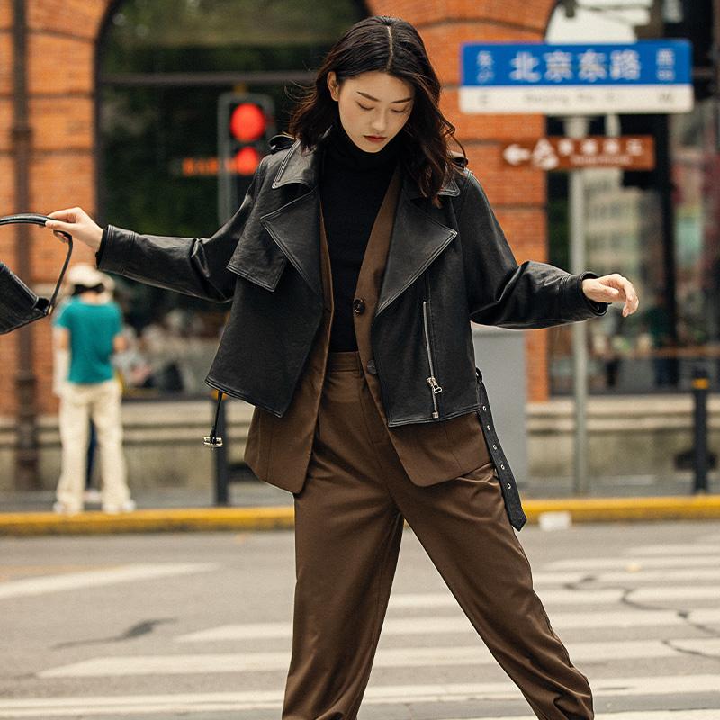 久寸帅气机车皮衣女真皮皮夹克短款宽松皮衣外套长袖秋季新款黑色