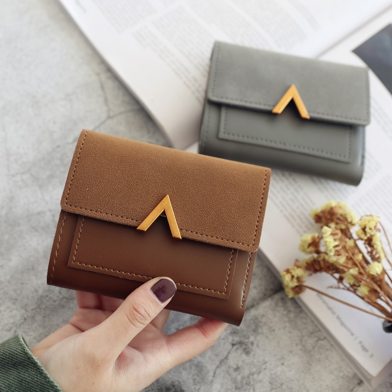 Short wallet womens splicing metal V-shaped decorative frosted retro small wallet 2019 new student simple fashion