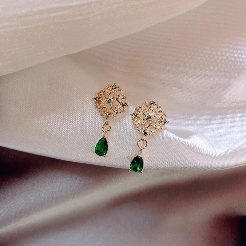 祖母绿宝石耳钉纯银针微镶工艺轻奢高级感宫廷风耳饰北欧复古耳环