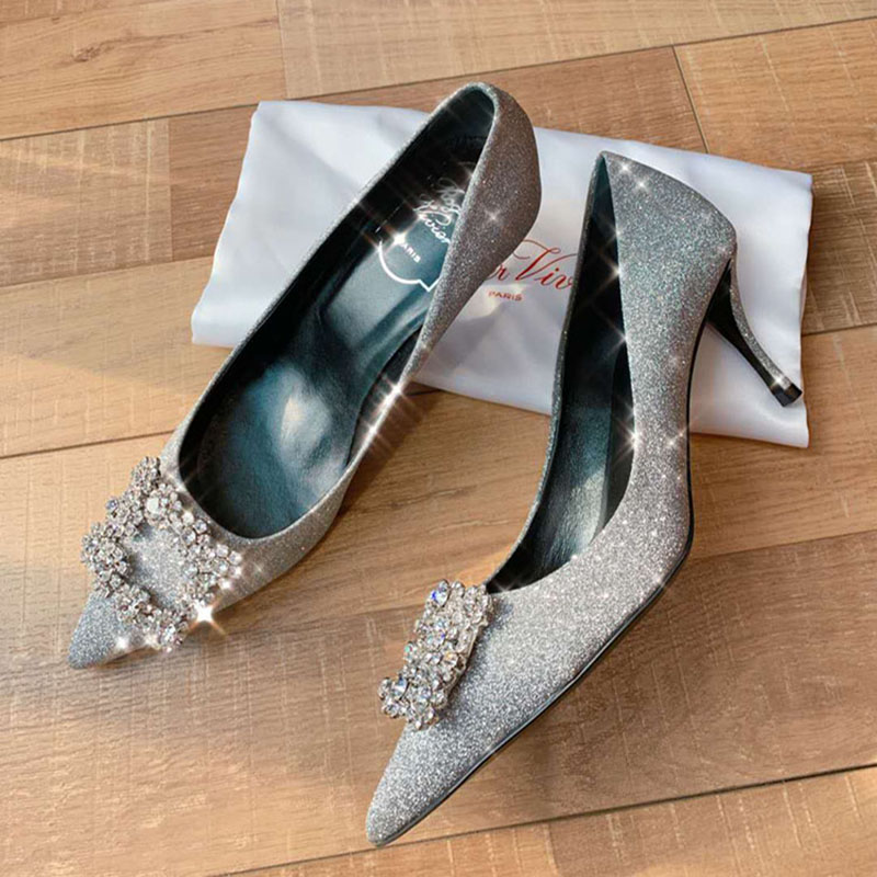 Tang Yan same silver crystal shoes Sequin wedding shoes RV diamond pointed thin heel shallow mouth high heels flat sole single shoes female