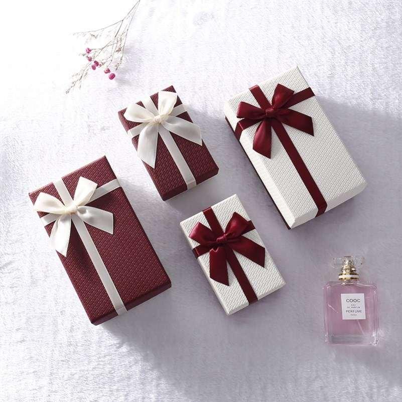 装礼物的小盒子精致小号礼盒ins风高级礼物盒送女友手链项链空盒
