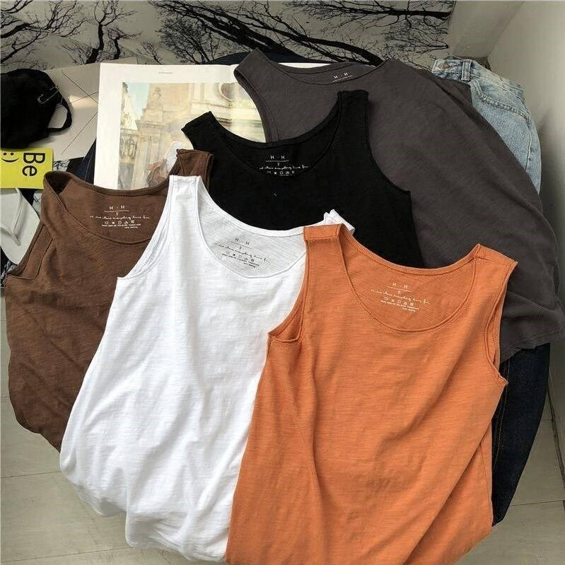 Womens short sleeveless inside with large womens bottoms and outside with loose top in summer