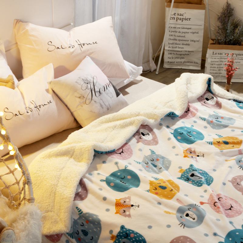 Flannel blanket quilt winter cashmere thickened double layer childrens coral blanket dormitory single nap blanket