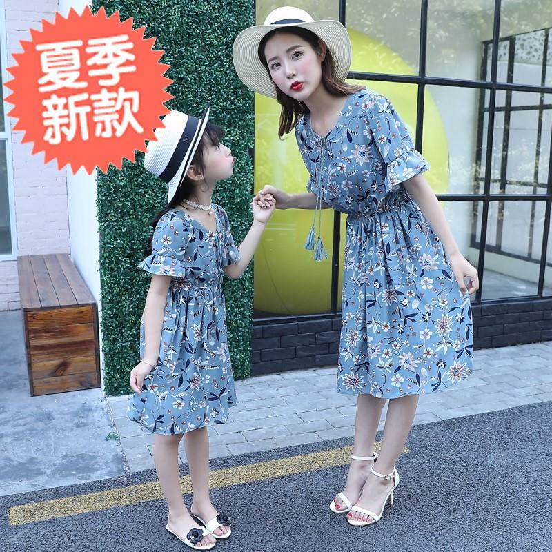 沙滩时髦夏季亲子装母女装连c衣裙优雅长裙子日式显高夏装海滩清