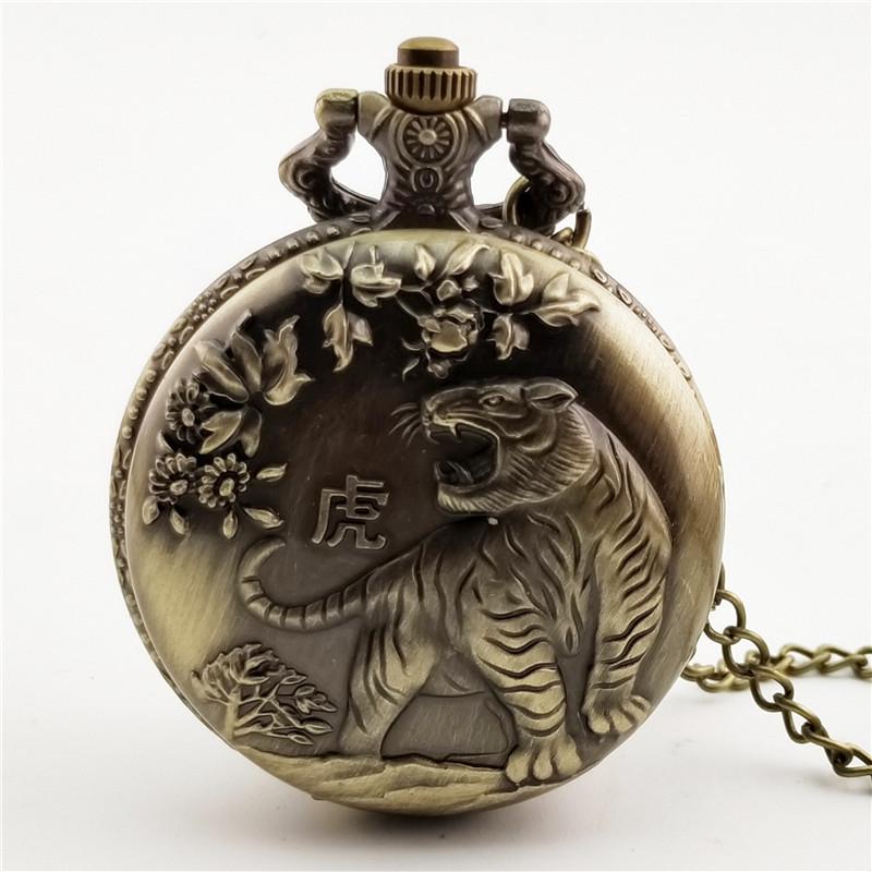 中国風の懐古の新しい合金の普通の金はガラスの12生肖の鏡の男女の工芸の腕時計のチェーンを掛けます大きい犬