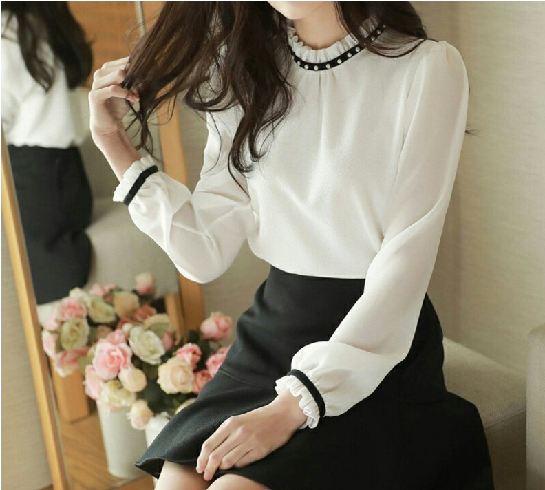 In spring and autumn, the Korean version of beaded Chiffon Top Bottom shirt is loose and thin, and the chiffon shirt with lantern sleeves is versatile