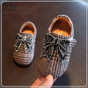 婴儿学步鞋女童鞋 0123岁防滑公主鞋宝宝水钻软底春季新款小皮鞋