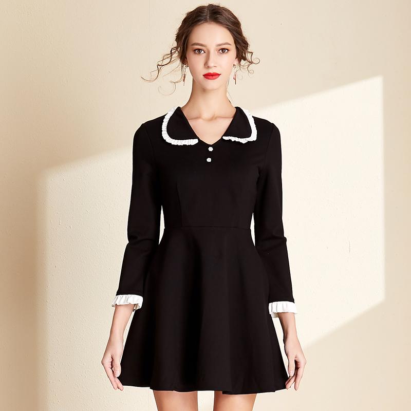 2019秋冬新款女装赫本风小黑裙娃娃领修身显瘦年会气质复古连衣裙