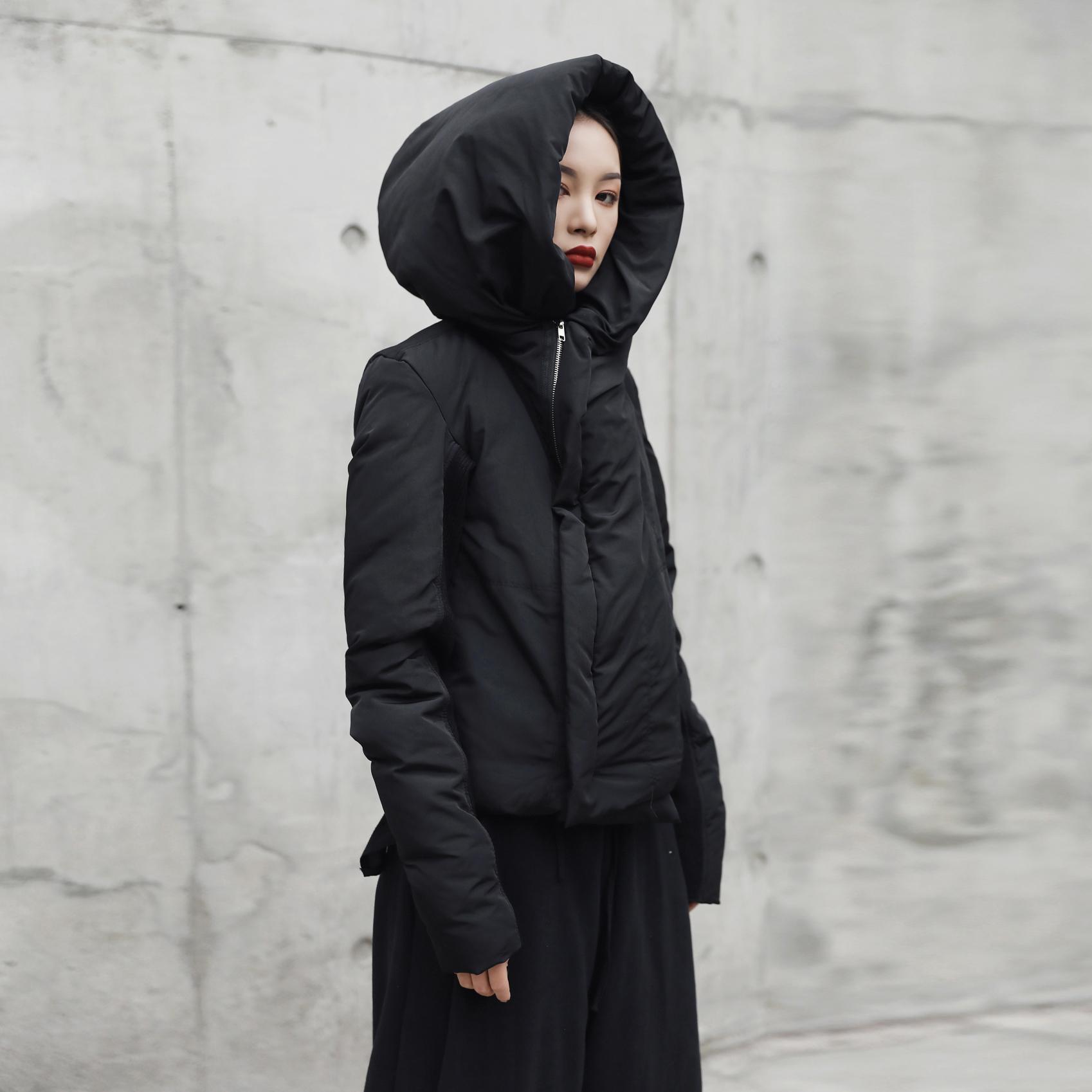 黑色Black