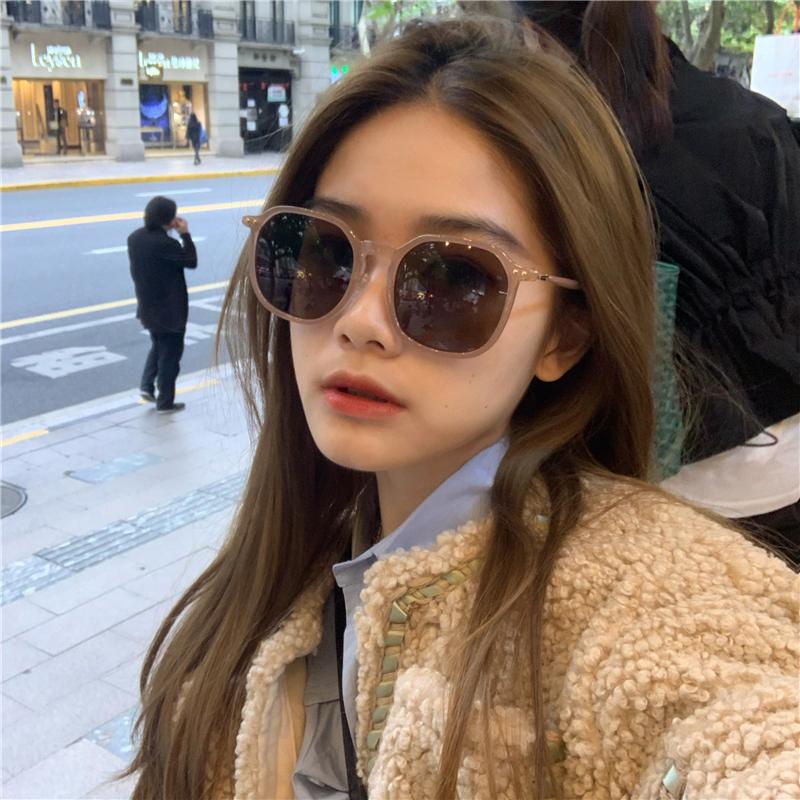 韩版ins凹造型街拍时尚茶色墨镜女百搭款显脸小偏光太阳眼镜方形