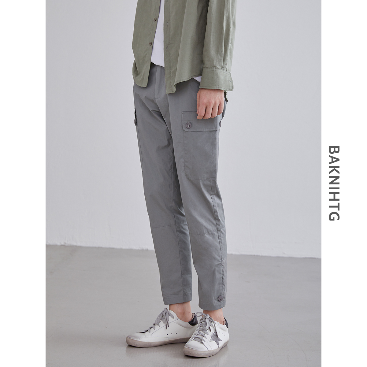 [non refundable after closing the store] new light industrial wear style button design casual Capris in summer