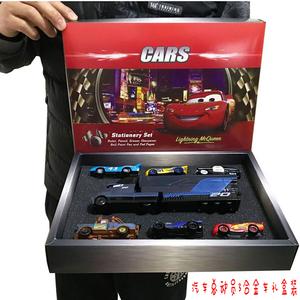 赛车总动员3合金小汽车模型玩具闪电麦昆黑风暴杰克逊货柜礼盒