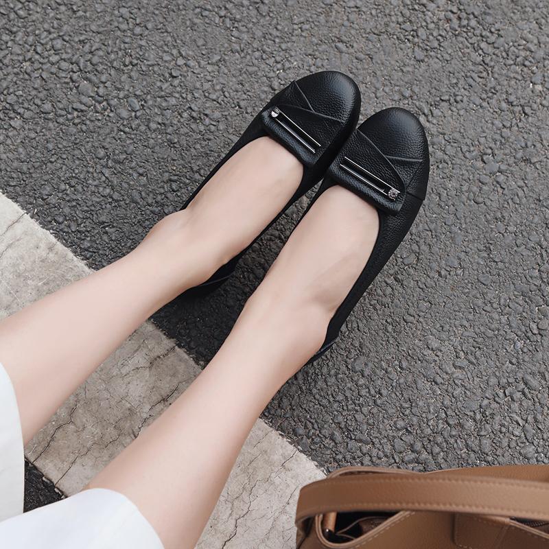 一脚蹬豆豆鞋中年女软底孕妇妈妈真皮蝴蝶结豆豆鞋女2018新款港版