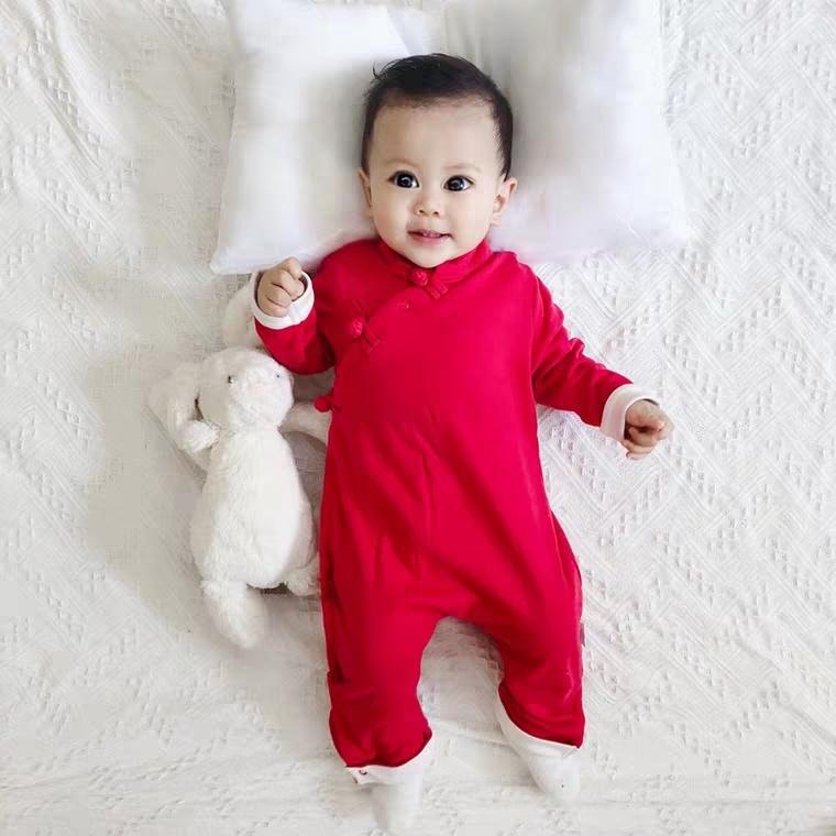 女婴儿连体衣服男宝宝秋冬装拜年新年新生儿红色可爱外套装外出服