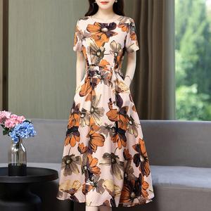 夏季中老年女装棉麻显瘦妈妈连衣裙人造棉大码宽松短袖棉绸长裙子