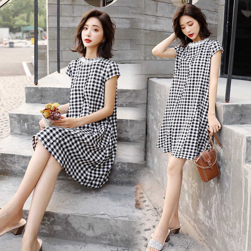 Medium length Plaid Dress for women loose and thin