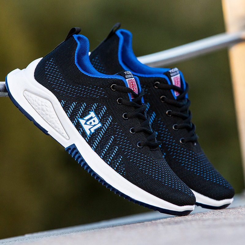 Mens shoes 2021 new mesh flying shoes mens casual sports shoes mens soft sole light running shoes