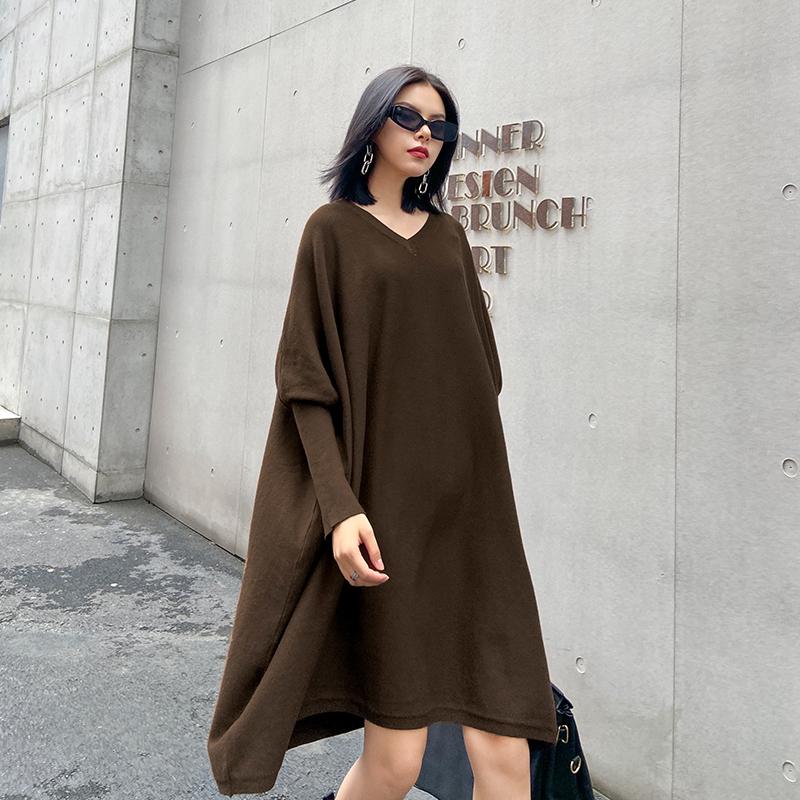 针织连衣裙秋季新款中长款宽松显瘦V领蝙蝠袖内搭打底毛衣裙子女