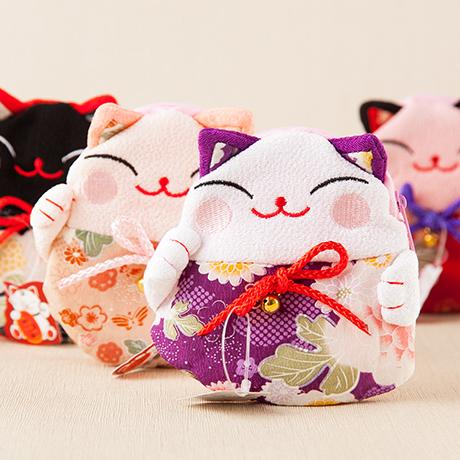 Japan Zhaocai cat zero wallet headset coin bus card bag womens kimono red envelope cute wrist bag