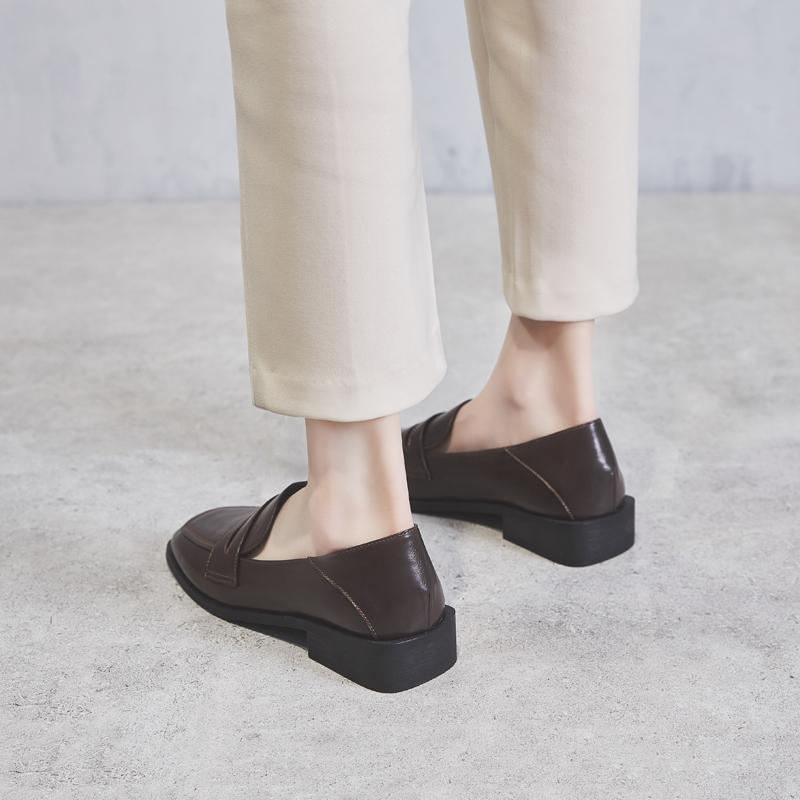 鞋夫人2019春季新款粗跟单鞋女复古擦色中跟小皮鞋加绒方头乐福鞋