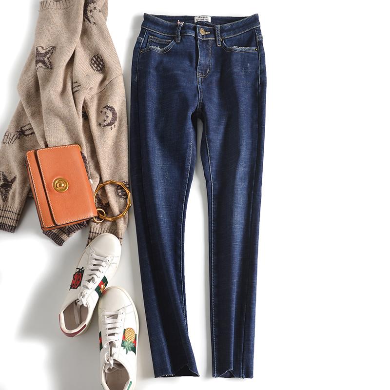 沐遥 18冬 温暖时髦炼成记 显瘦修腿型  一体加绒弹力牛仔小脚裤