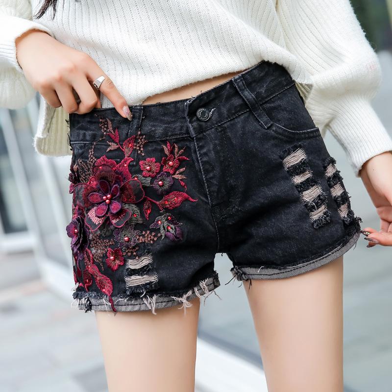 立体刺绣花民族风牛仔短裤女秋冬季新款显瘦百搭学生黑色打底热裤