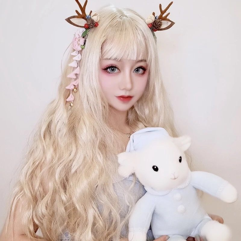 Wig girl corn perm long curly hair cream white Lolita air bangs sweet round face age down waist hair