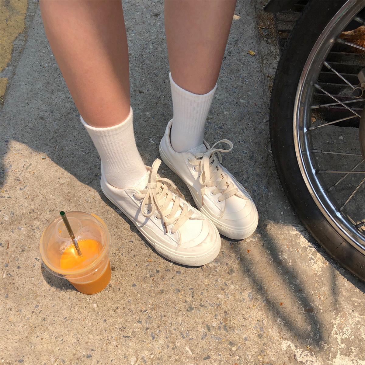 陆小团团2021年新款女鞋小白日系薄款帆布鞋百搭低帮白鞋女秋冬季