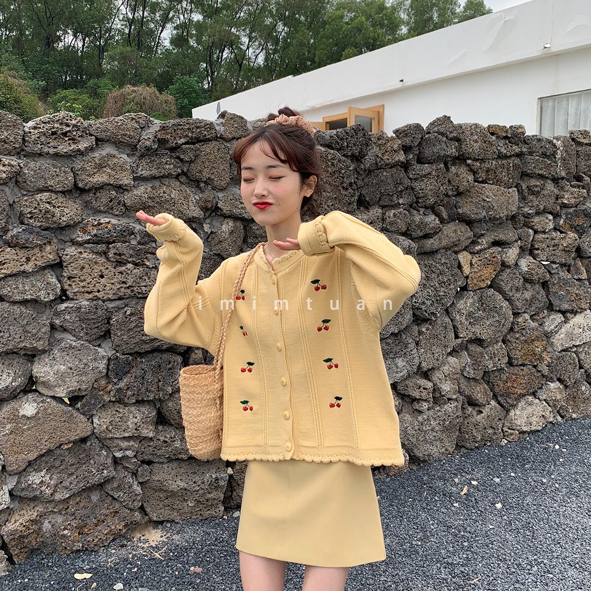 陆小团团 韩版百搭小个子甜美V领清新减龄显高柔软樱桃开衫毛衣女